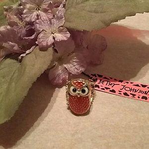 Beautiful owl locket ring